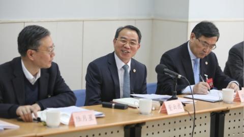 董云虎参加政协分组讨论:富于创造地谋划推进各项工作