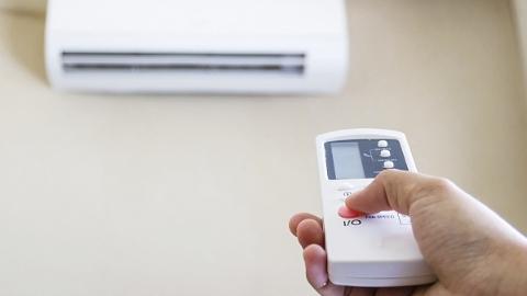 金炜委员:在上海市公立学校教室安装空调