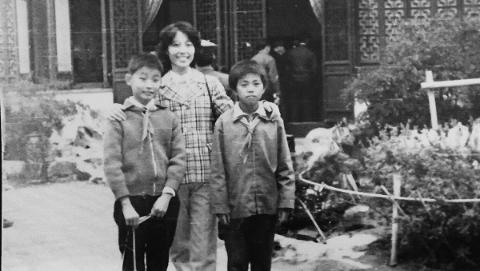 晒晒我家老照片|1985年师生秋游大观园