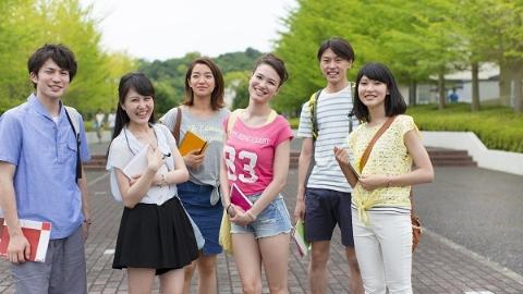 校门内外不留监控死角,公共安全教育覆盖每个年级 上海为校园安全扎紧防护网