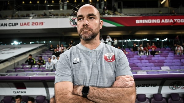 绿茵夜谈 亚洲杯教练席土洋之争升级,外来的和尚还好念经吗?