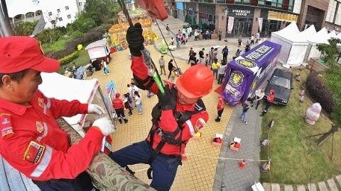 高楼缓降,火灾逃生,水上救援……百余支队伍齐聚宝山参与应急安全体验