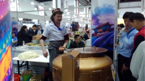 """上海对口帮扶地区的农产品""""入乡随俗""""的背后:火腿、三七分装成小包装,茶叶的包装变得文艺"""