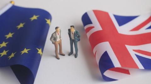 """能挺过""""超级周六""""吗?英国""""脱欧""""新协议仍要面对旧难题"""