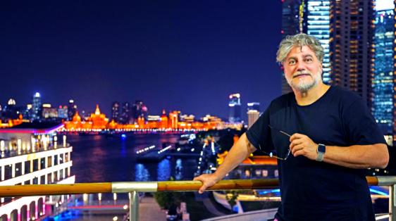阿根廷著名男高音何塞·库拉上海印象记:沉醉夜色无人入眠