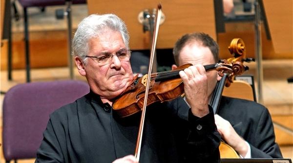 平夏斯·祖克曼:不会中提琴的小提琴家算不上好指挥