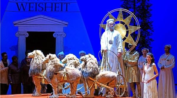 艺游上海③丨上音歌剧院《魔笛》声声欢,上音两位江苏学生难忘与偶像同台经历