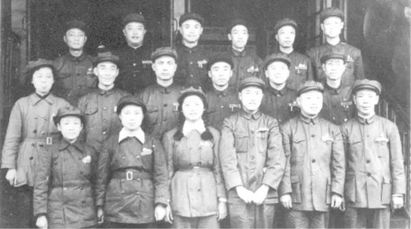 """评弹表演艺术家陈希安上午逝世,从此,上海评弹团""""十八艺人""""只在记忆里"""