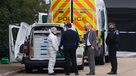 英国发现死亡集装箱 里面39人无人生还