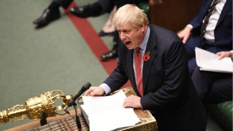 英国议会下院通过提前大选法案