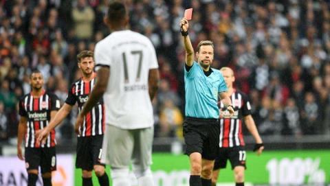 德甲:拜仁1比5惨败 遭吊打刷爆下限