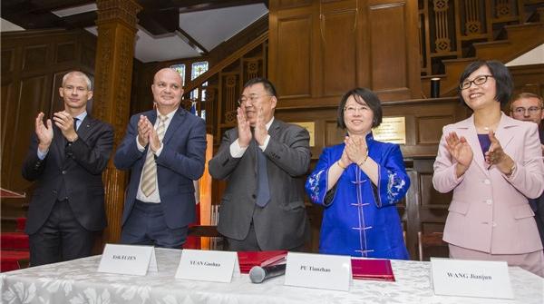 进博会中法合作文化合作项目签约 一批法国动漫IP将登陆中国
