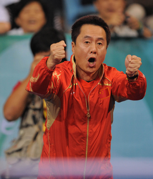当日,在德国多特蒙德进行的第51届世界乒乓球团体锦标赛女团决赛中,中国队以3比0战胜新加坡队,夺得冠军。_副本.jpg