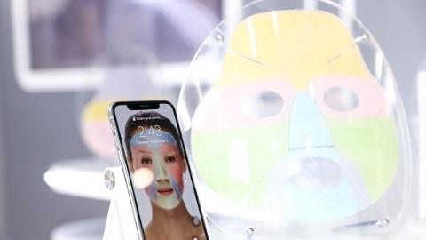 进博会美妆大集团排队与天猫国际签约 达成孵化新品牌合作