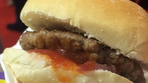 不可思议!这个牛肉汉堡的肉不是真肉