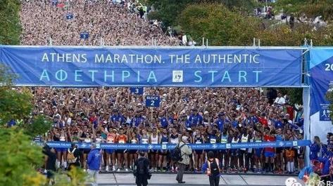 """雅典经典马拉松""""开跑, 中国选手跑进前十"""