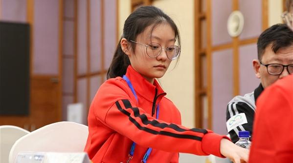 慢棋手在快棋赛中完胜世界冠军!这位15岁的上海姑娘是怎么做到的?