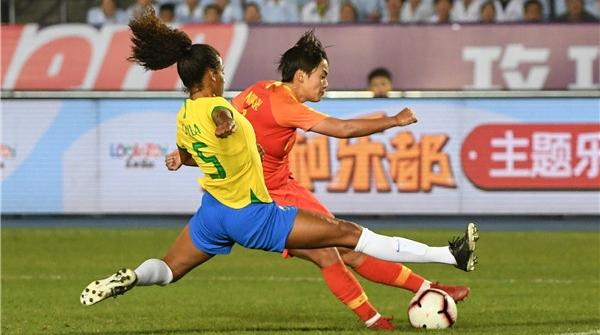 两场比赛独进3球!但女足不能只靠王霜……