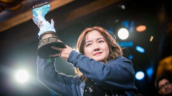 另类电竞女选手李晓萌夺冠幕后——她在上海找到正名的归属