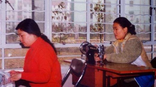"""缝纫机、手风琴、还未来得及领取的毕业证书……徐汇校园的""""传家宝""""故事"""