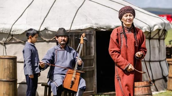 电影《海林都》在沪首映,草原之歌串起了人间大爱