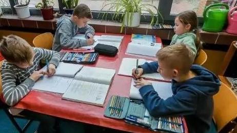 四海城事 | 让小学生晚点放学,德国拟推广全日制小学