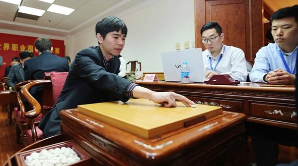 李世石辞呈或被搁置?他不止战胜过AlphaGo,还是桀骜不驯的传奇