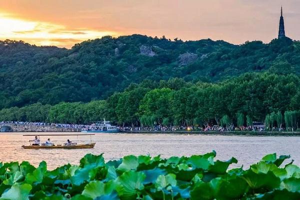 名湖-西湖.jpg
