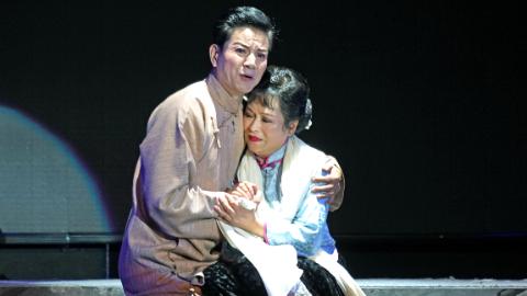 记时隔30年重登沪剧舞台的马建平:追梦,从60岁开始