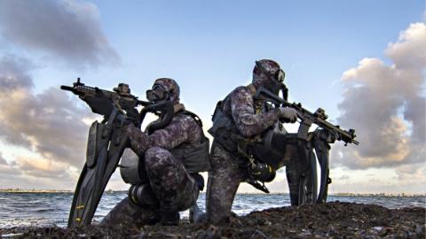 """澳大利亚人质被塔利班释放 """"海豹""""突击队6次营救失败"""