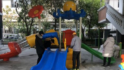 80余户居民为什么肯自掏腰包 参与整修这个设施设备陈旧的小区儿童乐园?
