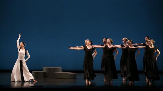 现代舞中竟藏着京剧矮子功的痕迹,葛兰姆舞团有望在沪开设中国第一分校