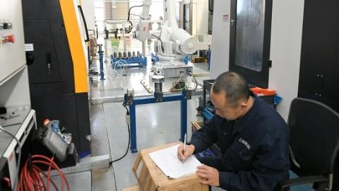 """不仅""""聪明""""还绿色!上海建科院智能制造工厂启用"""