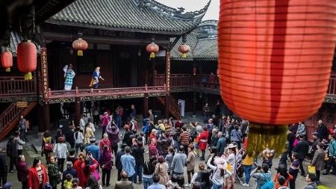 """申城上班族扎堆""""年假游"""" 蓉城、羊城的冬日暖阳最热门"""