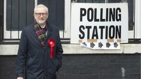 英国工党:反思惨败 寄望巾帼