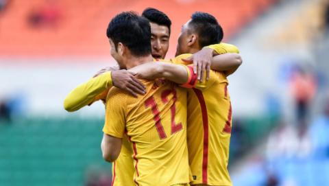 总算赢了!国足末战2:0拿下中国香港以胜利收官2019