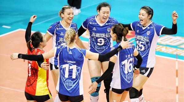 力克广东队占得先手,那支勇敢又有激情的上海女排回来了!