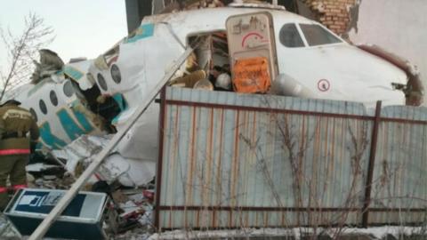 有幸存者!哈萨克斯坦一架载100人的客机起飞后不久坠毁