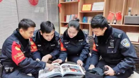 关爱退役军人,上海铁路警方出版首部宣传画册《不变的忠诚》