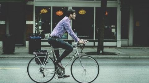 在荷兰骑车规矩还真多:没有车灯,罚!没有车铃,罚!