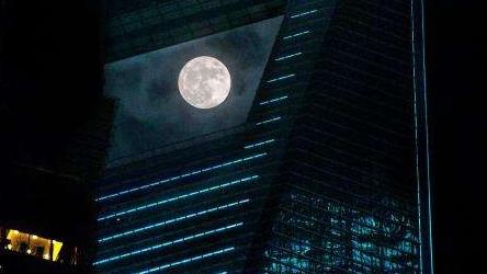 """""""天空剧场""""猪年排片表来啦!元宵就有超超超级月亮看!"""