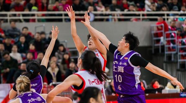 上海女篮季后赛出师不利:实力有差距,主力又受伤