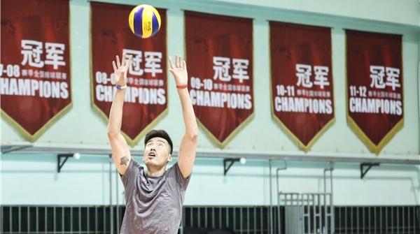 """上海男排今出征冲击联赛第十五冠,为此他们做了哪些""""功课""""?"""
