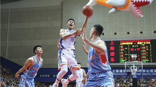 上海男篮队员罗旭东的这些年:视李秋平为伯乐,想在大鲨鱼退役