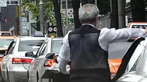 四海城事 | 韩国90岁以上出租车司机竟有237人!