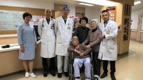 """""""谢谢医生,我又多活了一岁,105岁了!"""""""