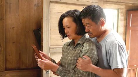 王景春、咏梅获得第69届柏林电影节最佳男女主角