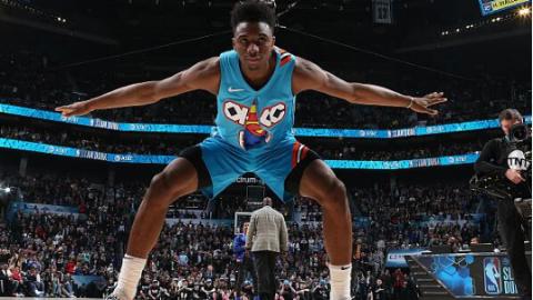 """NBA全明星周末第二天:迪亚洛""""飞跃""""奥尼尔 库里错失三分王"""