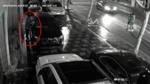 10秒盗空一辆车,作案工具竟只是它!警方提醒:停车无看管 车主两行泪