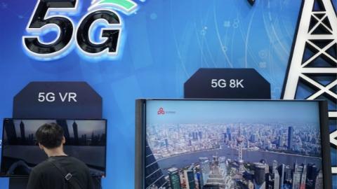 """5G时代,中国来到""""舞台中央"""""""